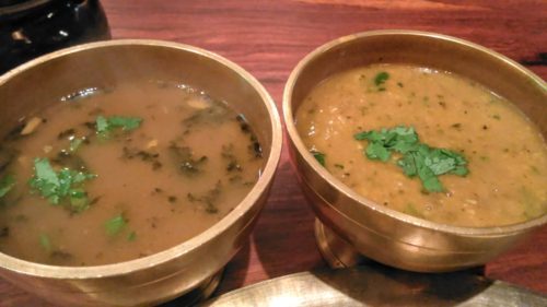 野菜のカレーと豆のカレー