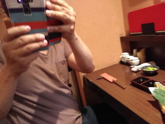 鍼灸師の友人の冨田先生を盗撮返し